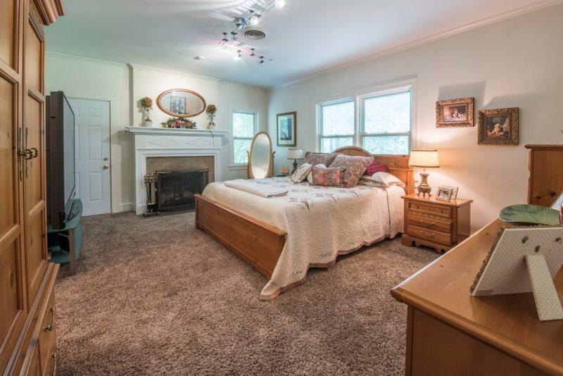 Johnny Depp's Horse Farm Bedroom