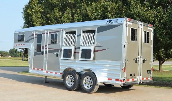 4Star Runabout horse trailer