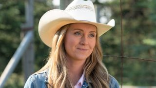 Actor Amber Marshall who plays the character Amy Fleming on Heartland. Facts, stats, age, husband, worth, and more.