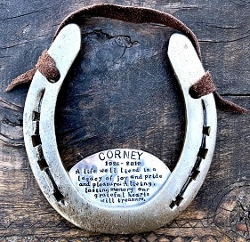 Memorial horseshoe with a plaque