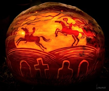 Amazing horse pumpkin carving