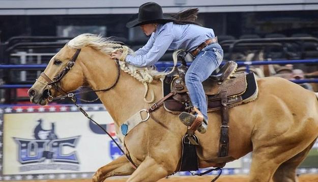 Hailey Kinsel riding DM Sissy Hayday
