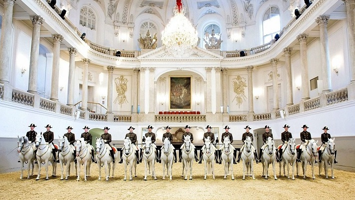 Spanish Vienna Riding School with Lipizzaner horses in the ménage