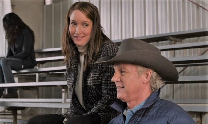 Jessica looking at Tim Fleming on Heartland