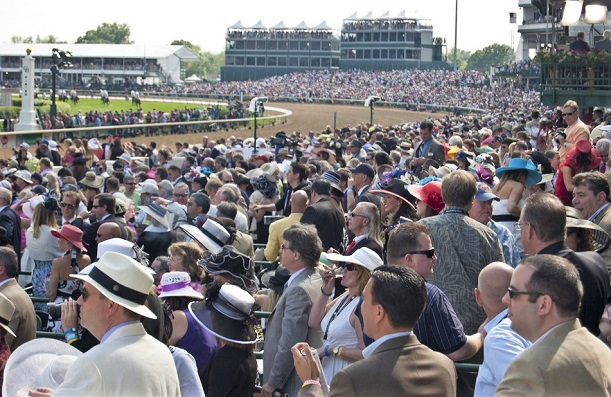 Big crowd at a horse race
