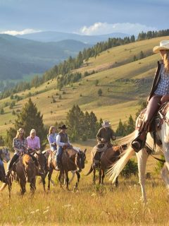 Best horse riding vacations in Montana